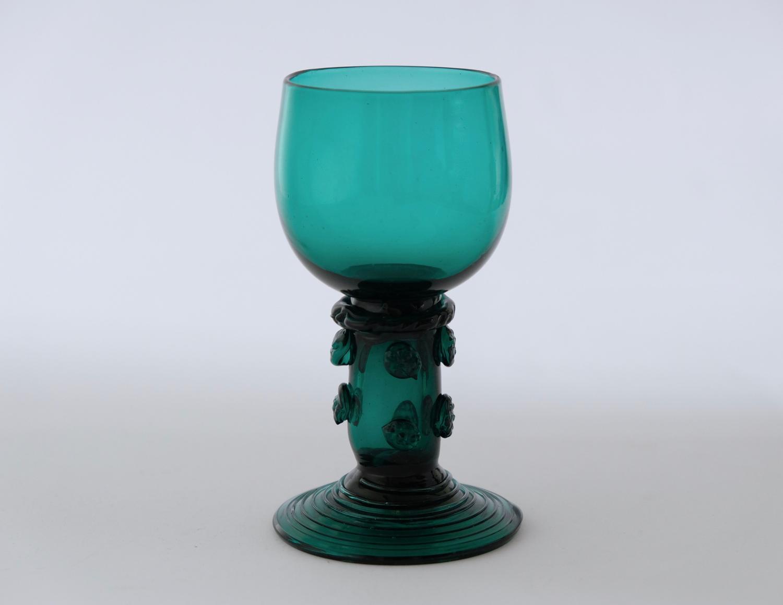 Green wine glass C1830