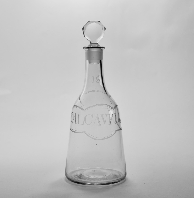 Mallet decanter labelled Calcavella C1770