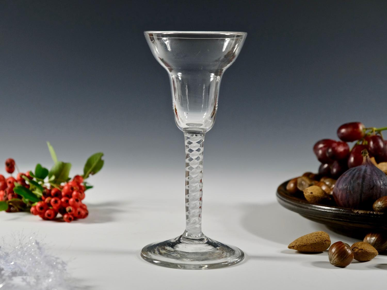 Double series pan top opaque twist wine glass C1765