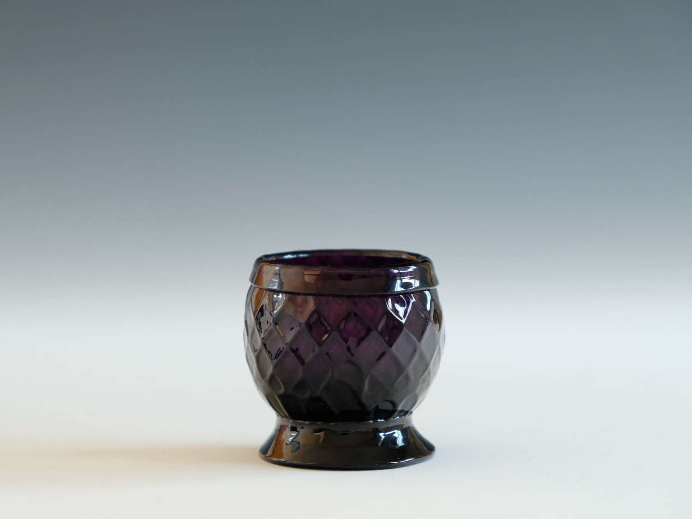 Amethyst salt / bonnet glass English C1780