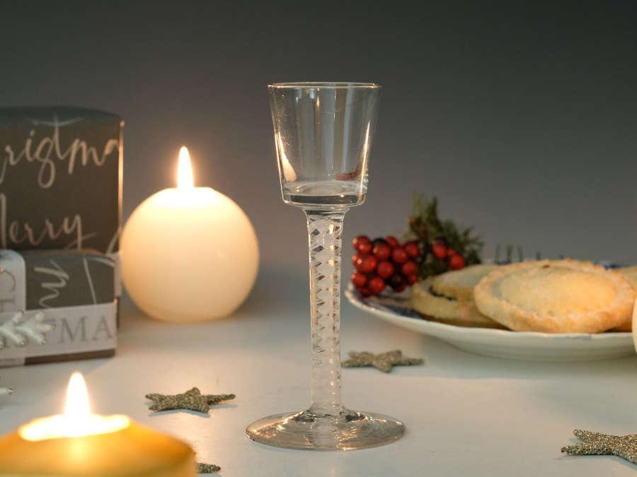 Opaque twist bucket bowl wine glass C1765